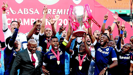 Bidvest Wits players hoist high their 2016/17 Absa Premiership trophy. File photo
