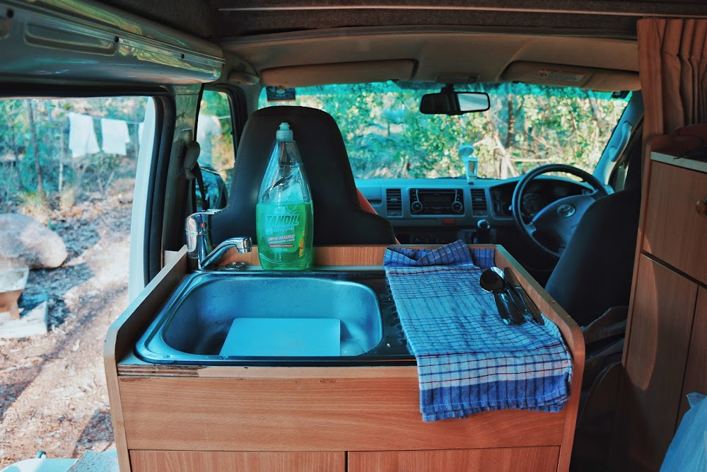 sink di campervan