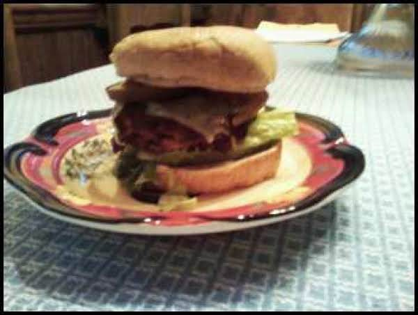 Dana's Super Yummy Spicy Beany And Beef Burger