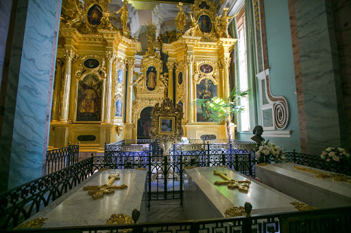 saints-peter-and-paul-coffins.jpg - The cathedral houses the remains of Russian emperors from Peter the Great and Catherine the Great to Nicholas II.