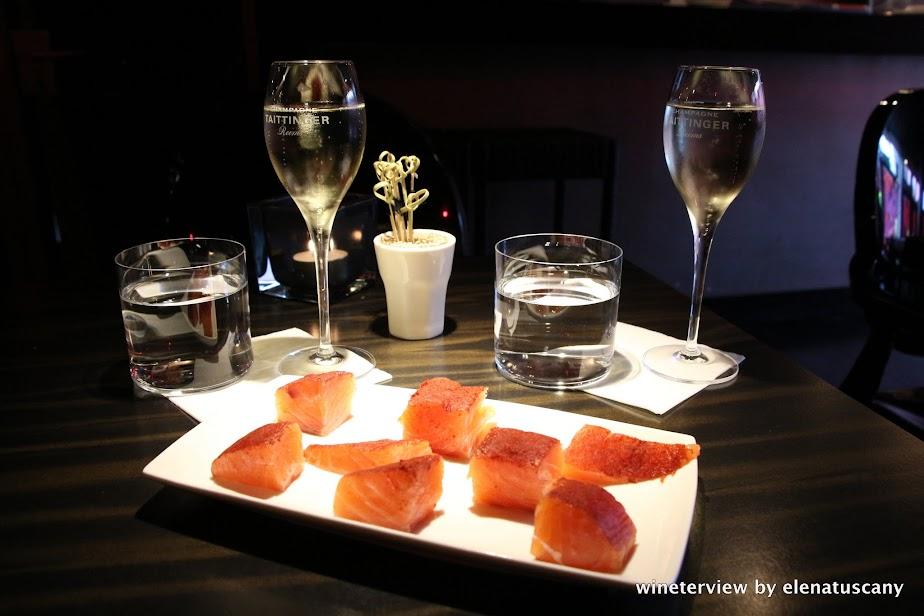 bubbles & wines, wine bar, wine bar amsterdam, wine amsterdam, bar vino amsterdam, vino amsterdam, enoteca amsterdam, enoteca, wine testing, винотека амстердам, вино амстердам, bollicine, sparkling wine, champagne, bubbles, salmon, salmon