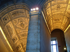 Photo: The Louvre Museum, Paris .......... Het Louvre Museum in Parijs
