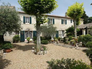 maison à Fontvieille (13)