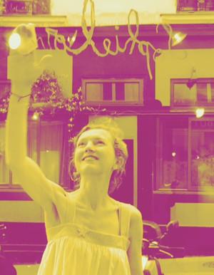 Peinture acrylique, aerosol et collage sur toile ou papier. Sophie lormeau, artiste peintre, french artist, contemporary art, figurative, portrait, colorful art, happy art, childhood, enfance,