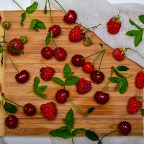 Red fruits by Alina Dinu - Food & Drink Fruits & Vegetables ( cherry, red, fresh, raspberry, fruits, mint, strawberry,  )