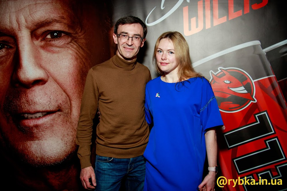 Фотограф портала rybka.in.ua Олег Панюта на премьере фильма Жажда смерти.