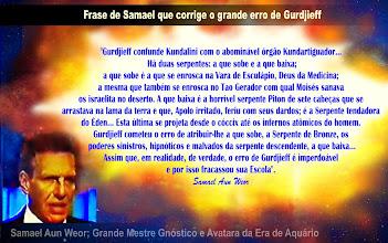 """Foto: Samael corrigi erros doutrinários de Gurdjieff no que diz respeito a Kundalini, o Raio da Criação, a Personalidade, etc.   MAIS EQUÍVOCOS DE GURDJIEFF:  SOBRE O RAIO DA CRIAÇÃO:  """"Lamentamos ter que divergir do Mestre G na questão da Lua. O Mestre G crê que o Raio da Criação começa no Absoluto e termina na Lua. O Mestre G supõe que a Lua é um fragmento desprendido da Terra em um remoto passado arcaico. O Mestre G crê que a Lua é um mundo que está nascendo e que se alimenta da vitalidade terrestre. Os que estivemos ativos no passado Dia Cósmico, sabemos perfeitamente que a Lua foi um mundo como a Terra, um mundo submetido a muitos processos evolutivos e involutivos, um mundo que teve vida em abundância e que já morreu. A Lua é um cadáver. A Lua pertence ao passado Raio da Criação. A Lua não pertence ao nosso atual Raio da Criação. A influência lunar é do tipo subconsciente submerso e controla as regiões tenebrosas do Abismo terrestre. Por isso é que estas regiões são chamadas em esoterismo de regiões sublunares submersas, essas são as trevas exteriores onde há choro e ranger de dentes"""". ( """"Mensagem de Natal 1965"""" - V.M. Samael Aun Weor )  Frase do MESTRE ADONAI sobre a serpente kundalini, a serpente: """"A serpente é considerada o símbolo do CRIADOR, do elemento masculino. Já explicamos anteriormente o seu significado. Aqui podemos acrescentar: aquele que pode levantar a sua serpente adquire sabedoria, poder, imortalidade, bondade, vida, regeneração, quando ela está LEVANTADA SOBRE A CRUZ. Se ela se arrasta é a causa de todo o mal. Assim a conheceram no Egito, na Síria, na Grécia, na Índia, na China, na Escandinávia e na América. A serpente foi adorada em todos os tempos e simbolizou todas as divindades"""".( Dr. Jorge Adoum - V.M. Adonai )  DO MESTRE HUIRACOCHA : """"Moisés, no deserto, mostrou a seu povo a serpente sobre a vara e disse-lhes que quem se aproveitasse dessa serpente nada sofreria durante a viagem"""" ( Dr. Arnold Krumm Heller V.M. Huiracocha ):  NOTA IMPORT"""