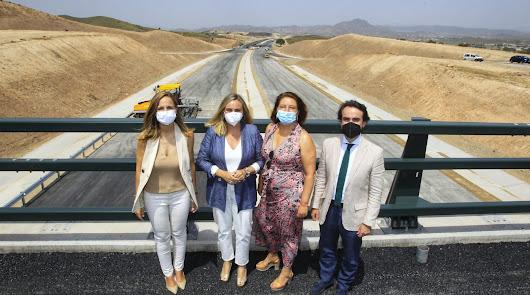Primera piedra de la obra que unirá la autovía del Mediterráneo y del Almanzora