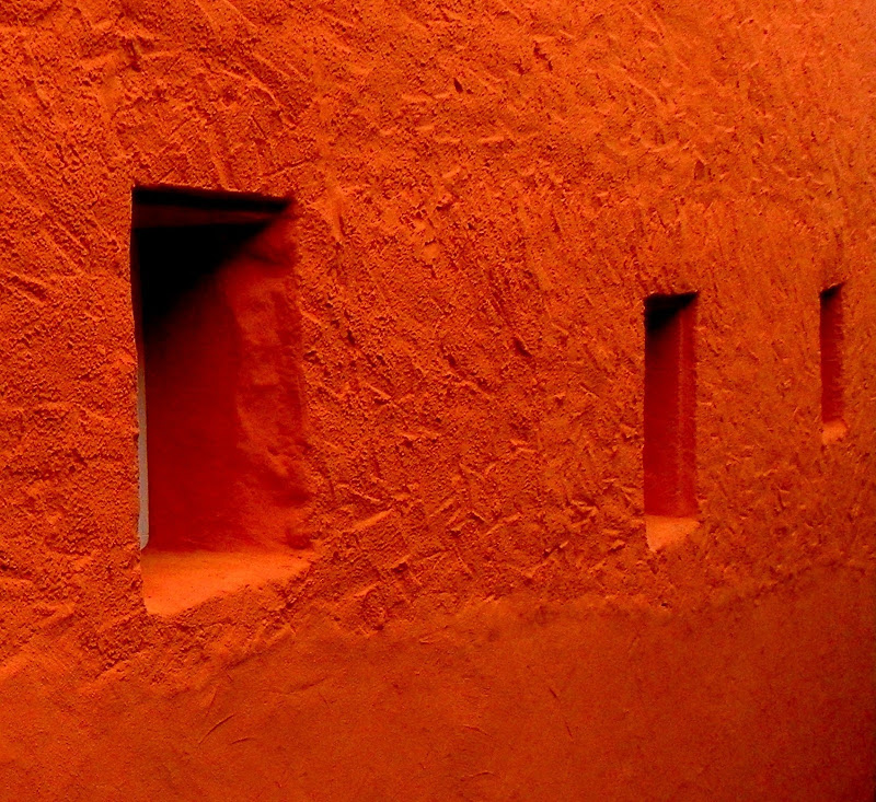 ORANGE WALL di mariateresacupani