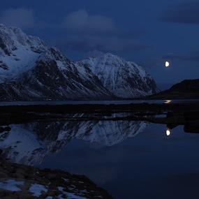 Stornapptind Lofoten by Karl-roger Johnsen - Landscapes Mountains & Hills