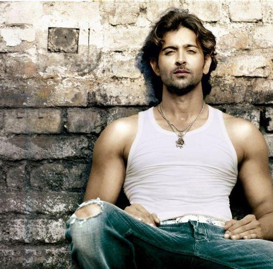 Hunky Hrithik Roshan n Hot Yami Gautam