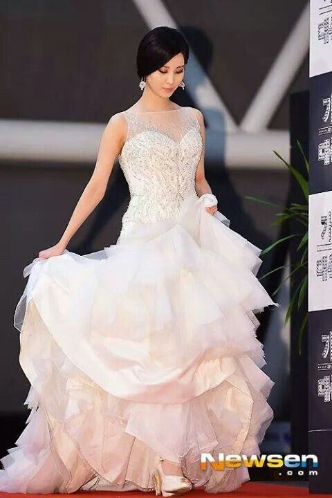 seohyun gown 14
