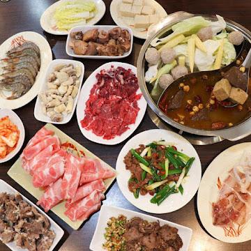 四季牛豬肉火鍋