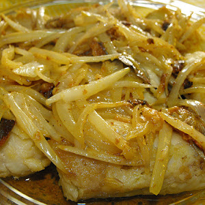 Hake Medallions With Olive Oil And Garlic Sauce
