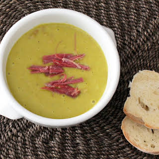 Out-of-the-Ordinary Split Pea Soup with Ham.