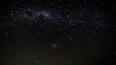 Photo: The Southern Milky Way, stretching right across the south-western Sydney sky. Wide angle shot, taken from the Macarthur Astronomical Society dark sky site at The Oaks, NSW. Best seen ENLARGED. Shows the constellations (l to r) Centaurus, Crux, Carina, Volans, Dorado and more.