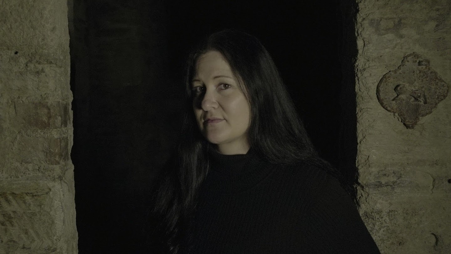 Watch Paranormal: Captured live
