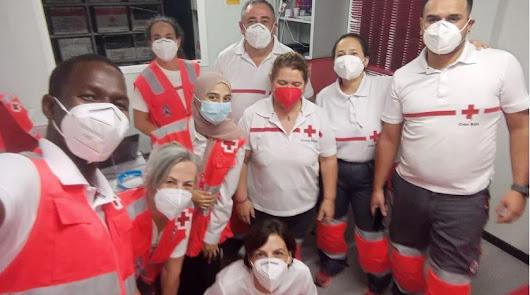 Cruz Roja atiende a 157 personas llegadas en patera en las últimas horas