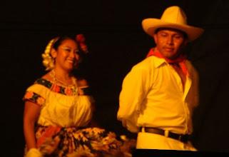 Photo: Bella estampa de los bailes regionales