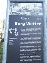Photo: Informationstafel vor der Palais-Ruine der Burg Wetter.