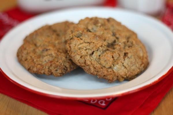 Cowboy Oatmeal Cookies Recipe