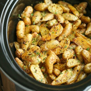 Slow Cooker Greek Potatoes