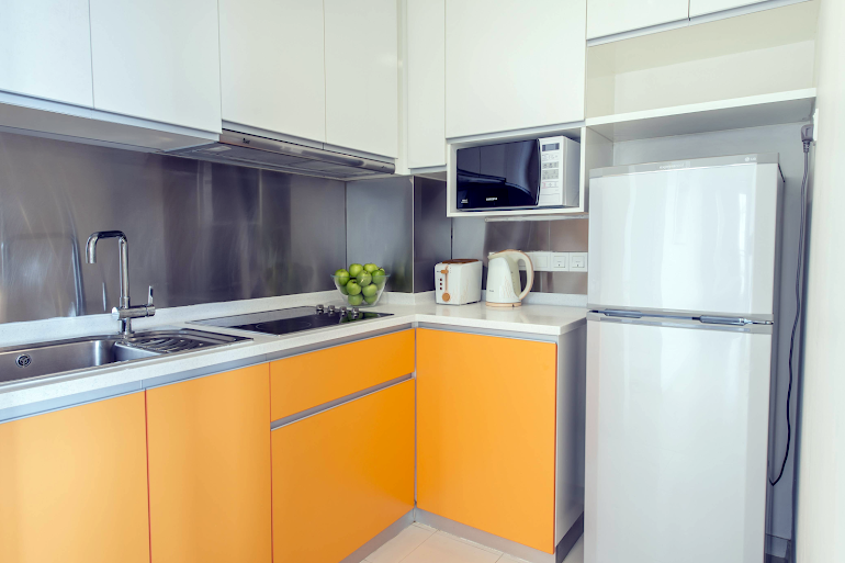 Fully equipped kitchen at Mount Sophia Singapore, Orchard Road