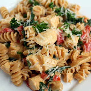 Pasta with Bertolli Sauce and Roasted Red Peppers