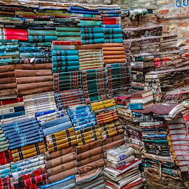 Piles of books by Simon Shee - Artistic Objects Other Objects ( 2017, books, venice, italy )