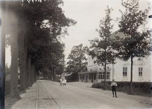 Photo: 1919 Liesboslaan rechts het v.m. hotel Bellevue