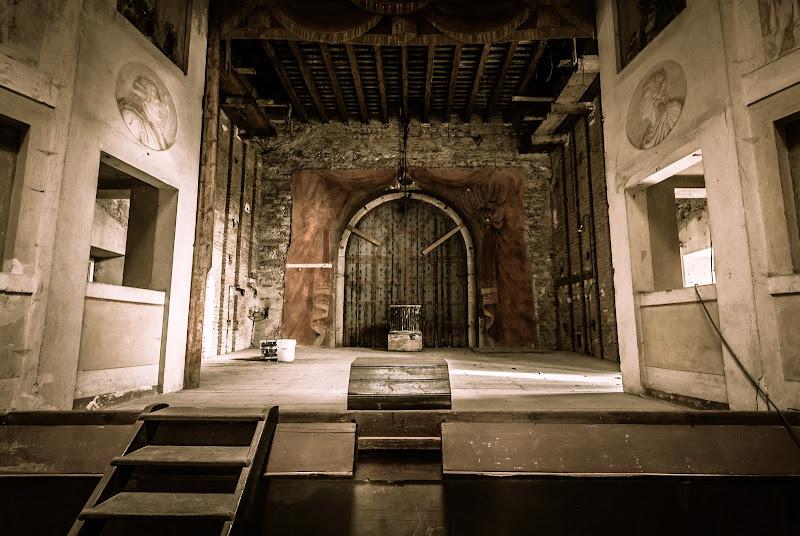 Il teatro abbandonato di icomo