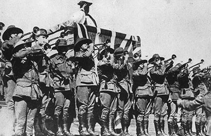 the battle of somme and the western front history essay Essay writing guide  spring 2000 the great war: the battle of the somme 1 describe the conditions that soldiers experienced on the western front in.