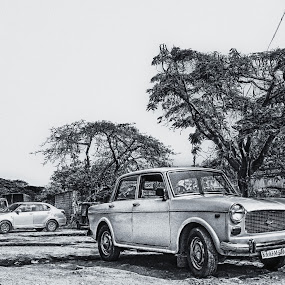 The Ol' Primier by Purbayan Bhattacharyya - Instagram & Mobile Android ( automotive, grunge, monochrome, market, incredible, automobile, street, india, mobile )