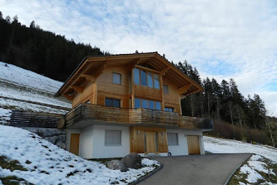 A Private 220 sqm Family Chalet With Views Of Rinderberg