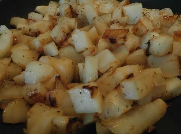 Nan's Skillet Dill Potato Fries