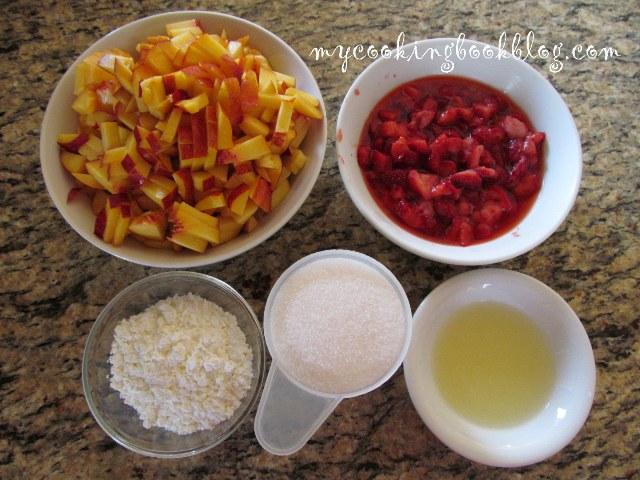 Плодов пълнеж (fruit filling) с нектарини и ягоди