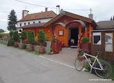 Photo: ...BLATNICA, cyklistická krčmička, pivo + vyprážaný syr za 3 Euráče.