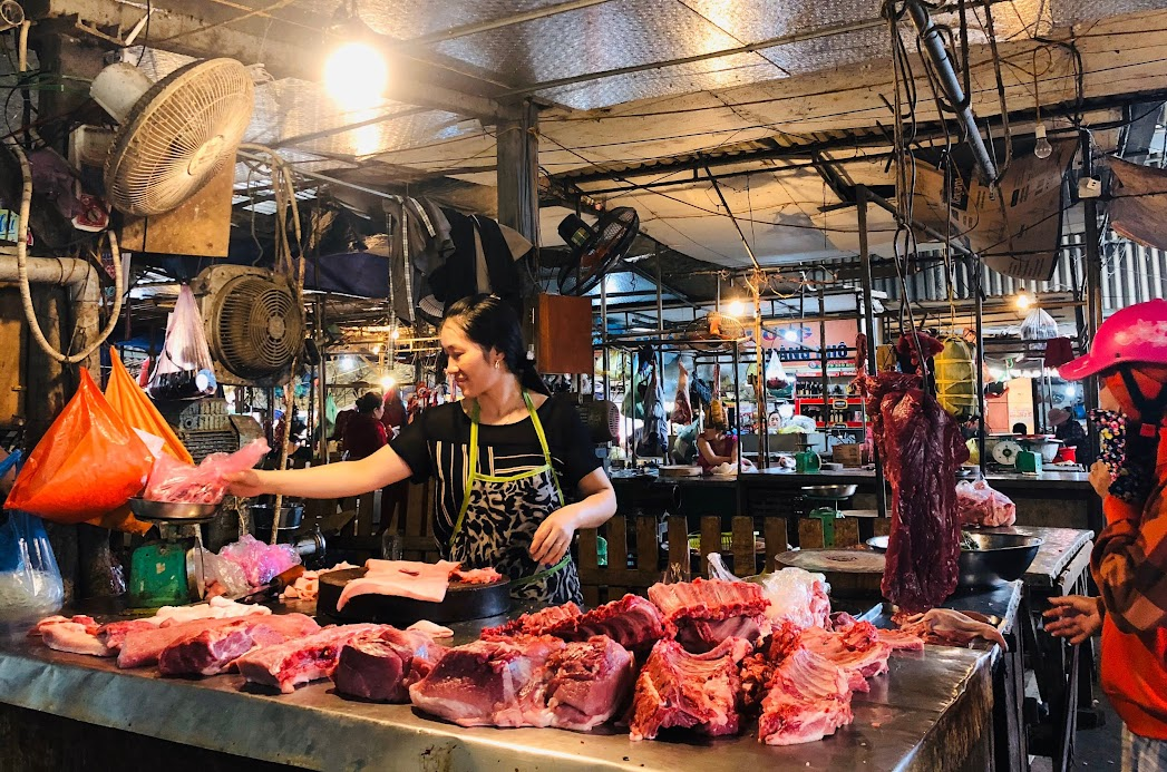 Người dân nên chọn lựa thịt lợn an toàn, đã qua kiểm dịch