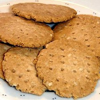 SESAME ALMOND CRACKERS
