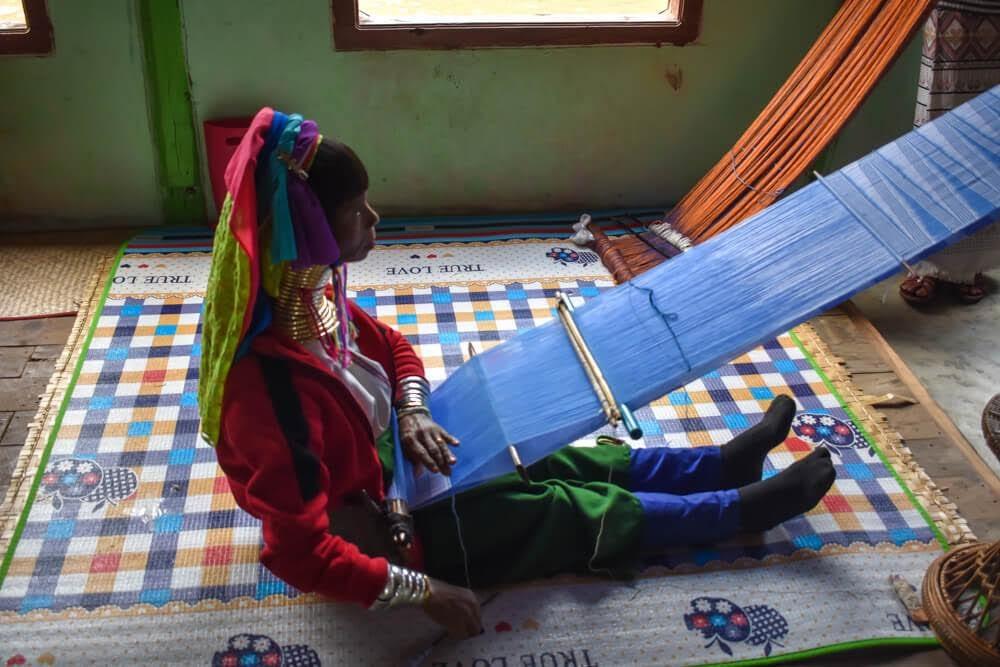 padaung woman long neck tribe inle lake