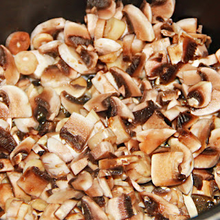 Slow Cooker Chicken And Mushrooms.