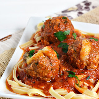 Slow Cooker Mozzarella Stuffed Meatballs