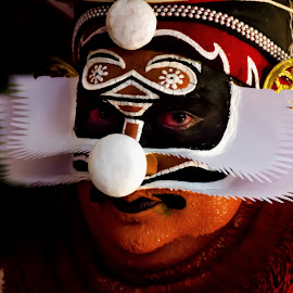 The Face Of The Chronicler-12 by Vijayanand Kandasamy - People Musicians & Entertainers ( face, dance form, kathakali dancer, traditional dance, kerala, painted faces, colours, face colours, colour, kerala traditional dance, tradition, kathakali dance, dance, dancer, kathakali )