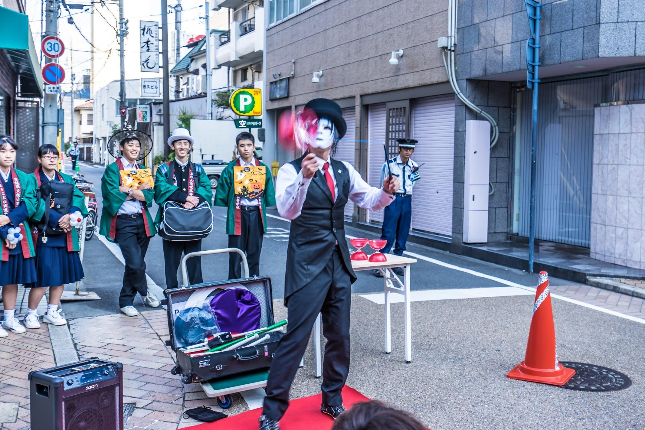 Shiroyama-monzen-matsuri Street performer2