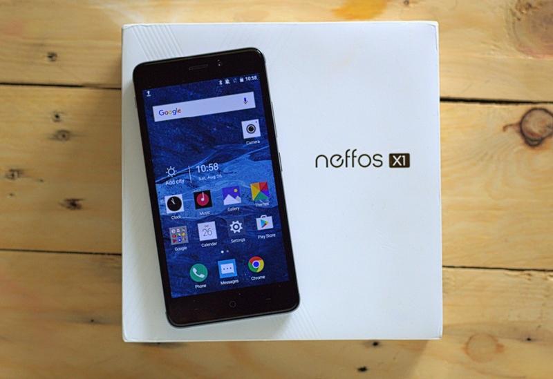 Neffos X1 bersama kotak