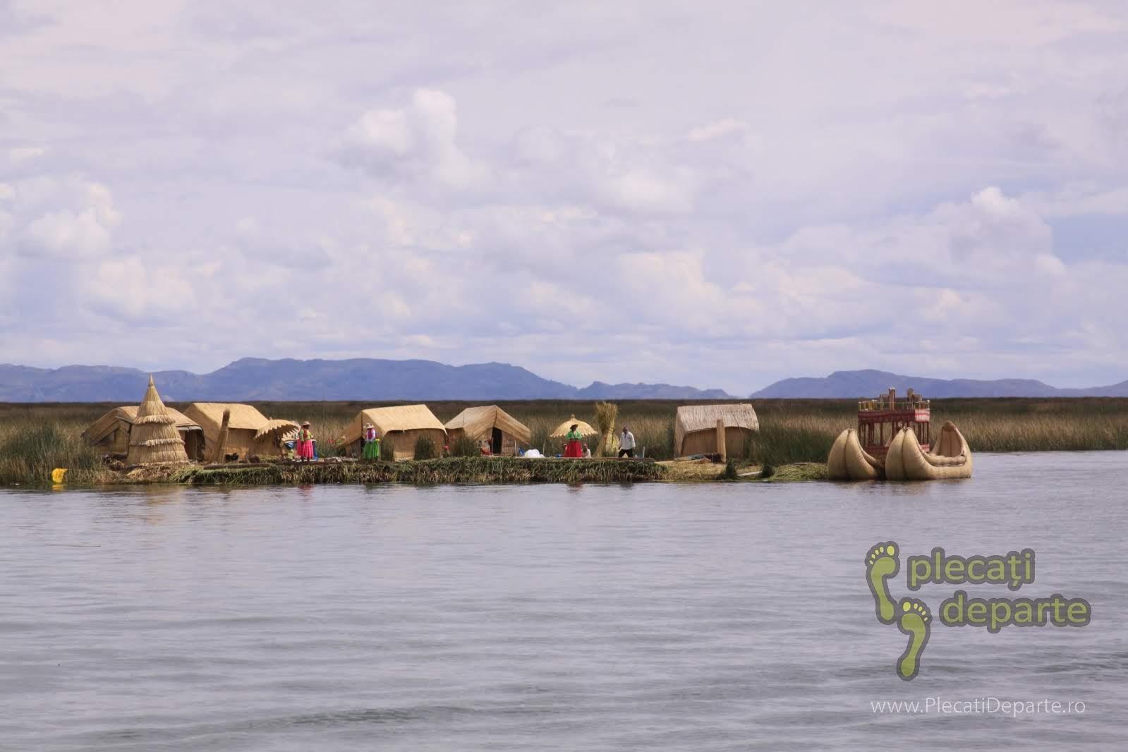 insulele plutitoare Los Uros, pe Lacul Titicaca, la 4000m in Peru
