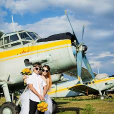 Wedding photographer Vika Burimova (solntsevnutri). Photo of 10.03.2014