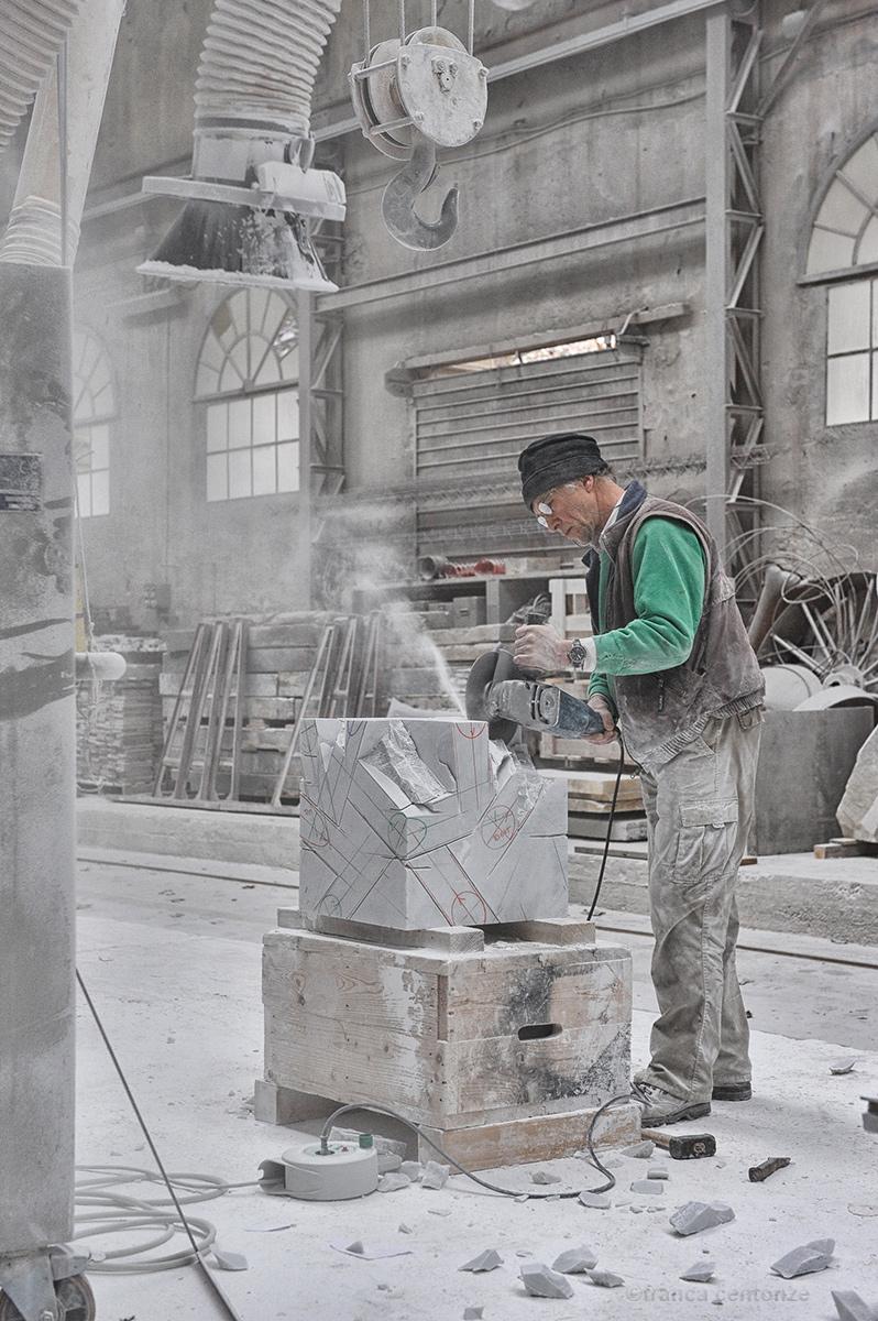 Artista del marmo di franca111