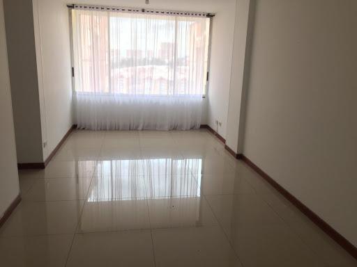 Apartamento en Arriendo - Bogota, Gratamira 642-4582
