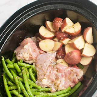 Slow Cooker Seasoned Chicken, Green Beans and Potatoes.